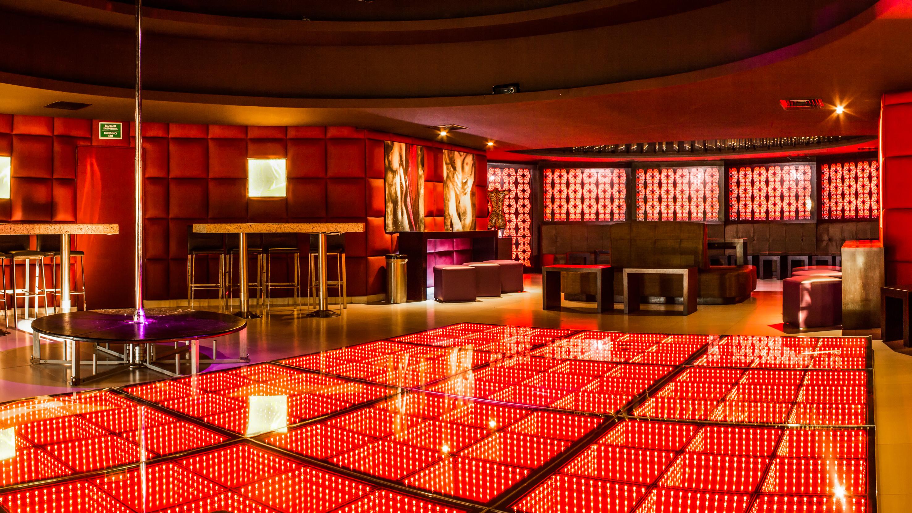 Y Nightclub-10 Riviera Maya.jpg