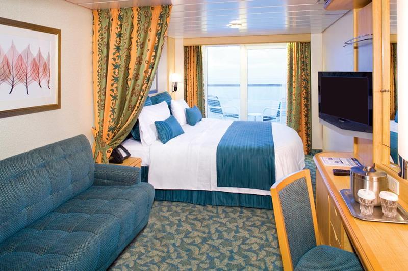 24-Photos-of-Royal-CaribbeanΓÇÖs-Classic-Mariner-of-the-Seas-Cruise-Ship-21.jpg