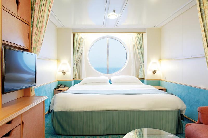 24-Photos-of-Royal-CaribbeanΓÇÖs-Classic-Mariner-of-the-Seas-Cruise-Ship-22.jpg
