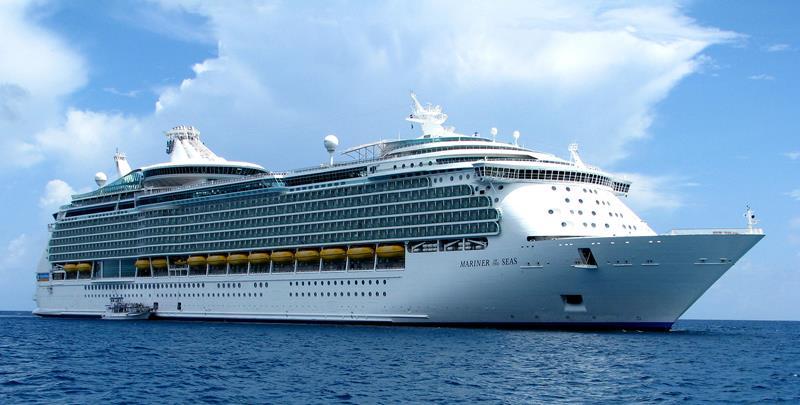24-Photos-of-Royal-CaribbeanΓÇÖs-Classic-Mariner-of-the-Seas-Cruise-Ship-title.jpg