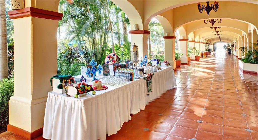 252-meeting-room-2-hotel-barcelo-puerto-vallarta_tcm21-31988_w1024_n.jpg