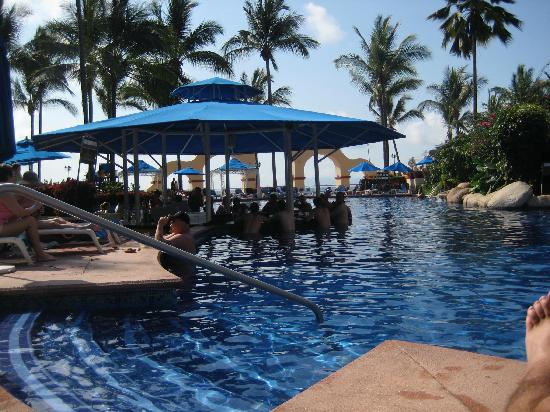pool-bar.jpg