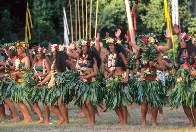 Heiva-Tahiti-Shigeo_Kobayashi-Exotic-women.jpeg