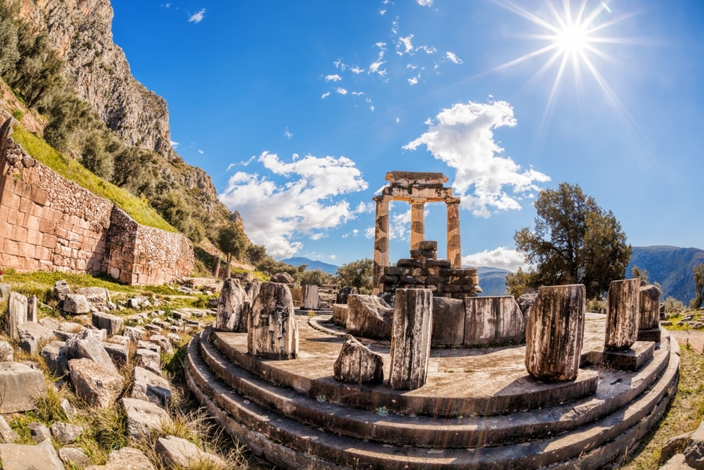 Delphi-with-ruins-of-the-Temple-in-Greece-min.jpg